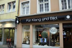 Schild: Für Klang und Bild