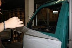 Car Wrapping bei pr-kreativ GmbH: Tuere weiss folieren amAnfang2